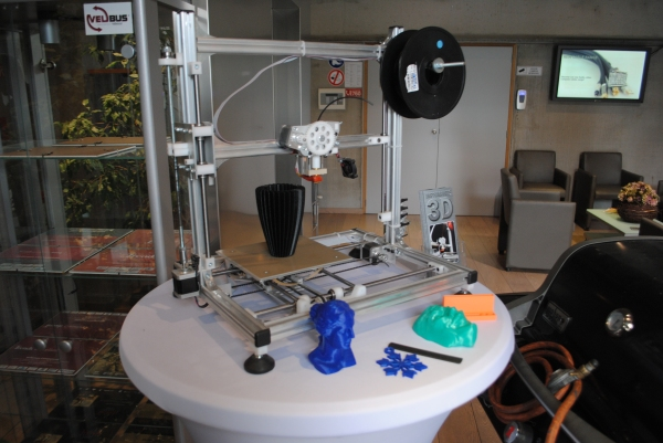 The K8200 3D printer is the best choice for educational use