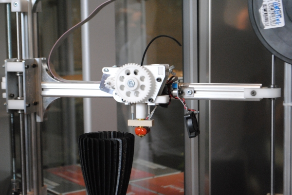 Velleman K8200 affordable open-source 3d printer for everyone