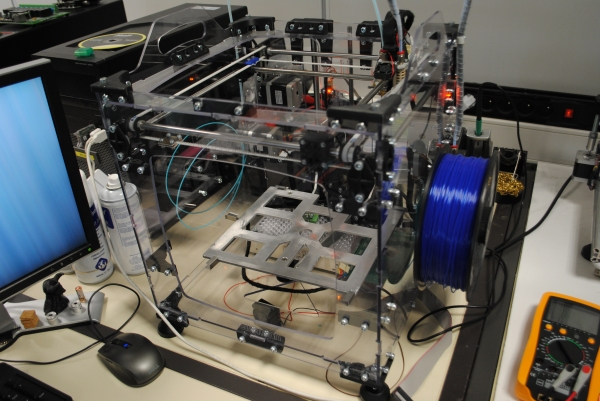3d printer at the research and development of the Velleman company